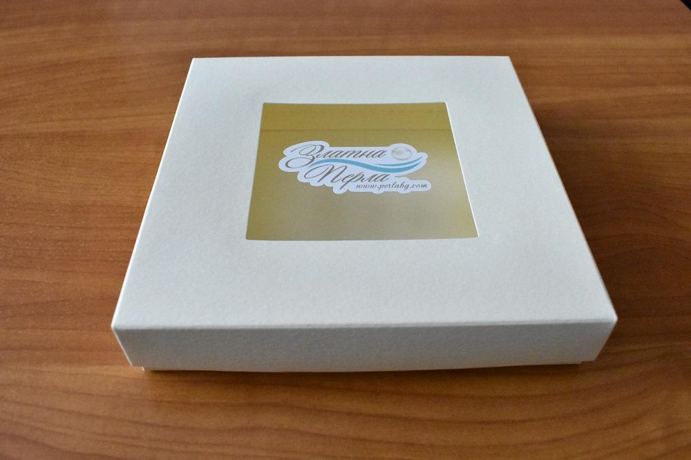 Луксозна квадратна опаковка