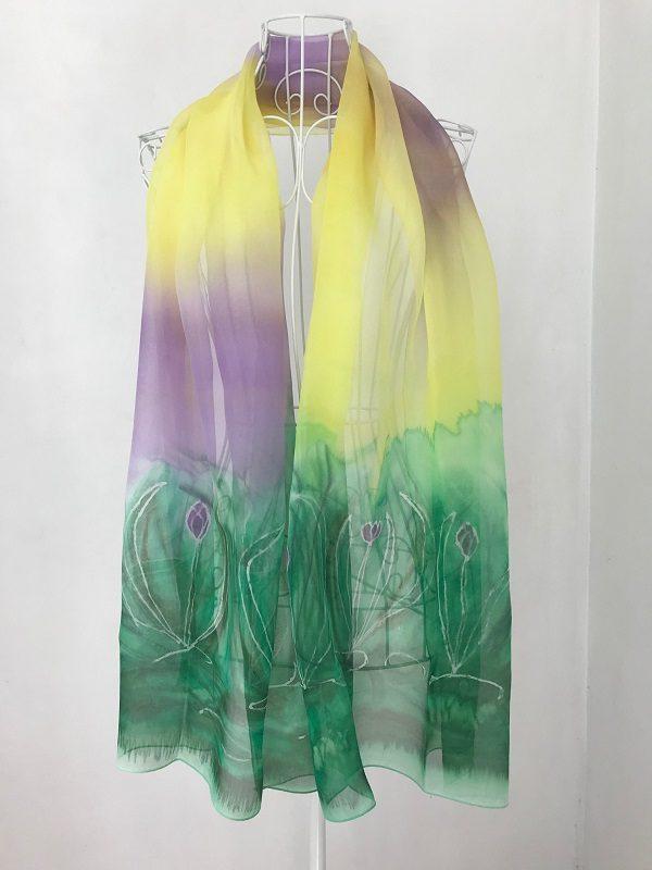 Нежен копринен шал Лилави с минзухари