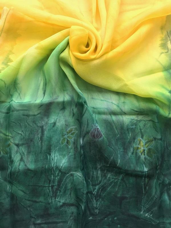 Копринен шал Пролет в градината (2)