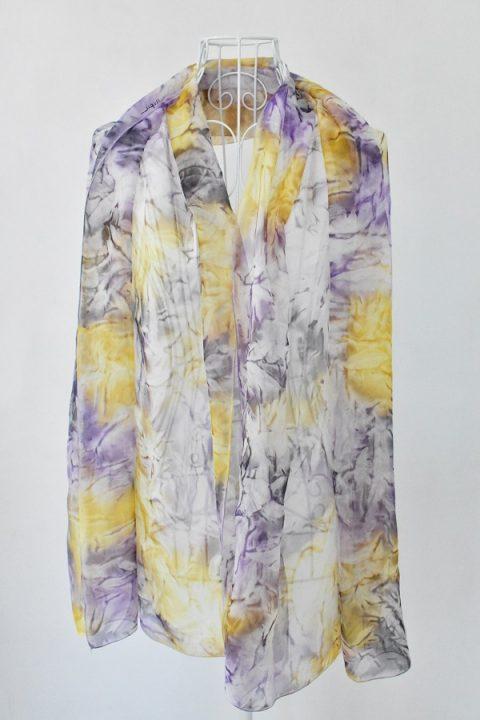 Копринен шал в лилаво и жълто