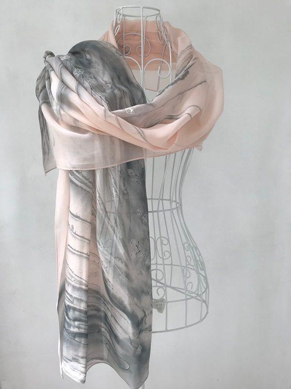 Ефирен Копринен шал Прасковен цвят